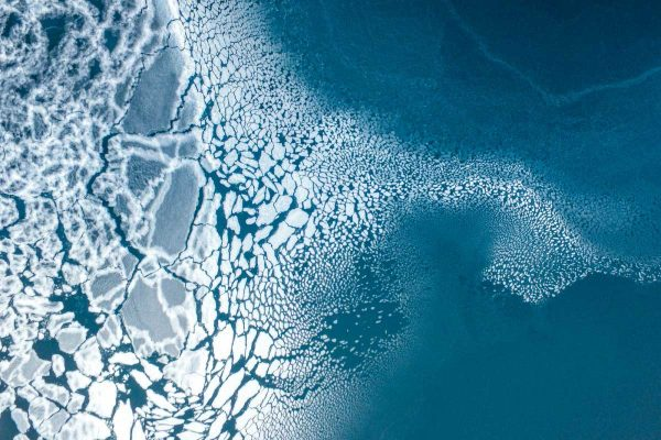 3rd-Prize-Winner-category-Nature-Ice-formation-By-Florian-600x400