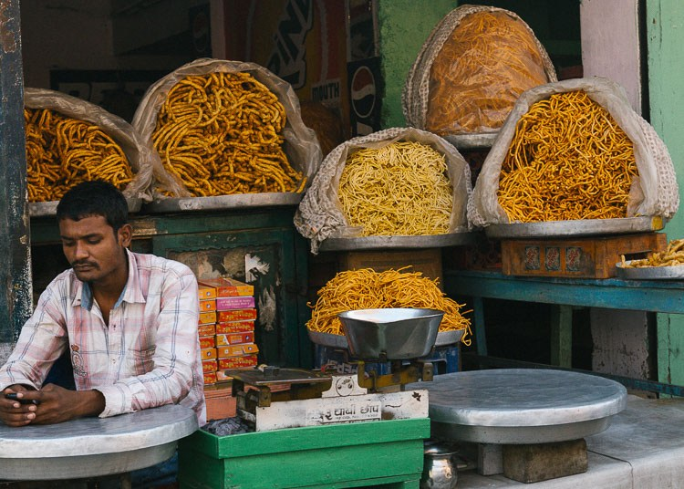 Karthika-Gupta-Photography-Memorable-Jaunts-DPS-Article-Tips-for-photographing-street-markets-1-3