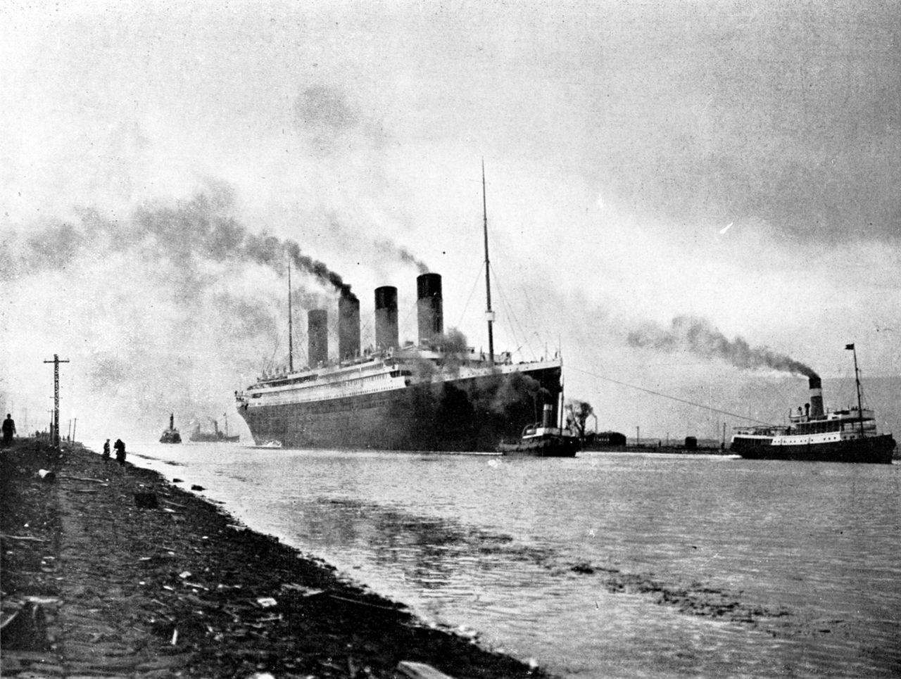 titanik-isplovljava
